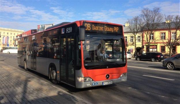 """Ruszają kursy autobusów wg. wakacyjnych rozkładów. Do września linie z literą """"s"""" będą nieosiągalne - Aktualności Rzeszów"""