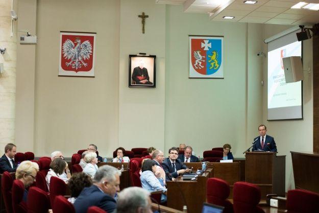 Zarząd Województwa Podkarpackiego z wotum zaufania i absolutorium - Aktualności Rzeszów