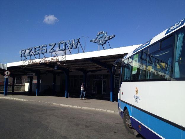 PKS poszukuje przewoźnika do obsługi 39 linii komunikacyjnych - Aktualności Rzeszów