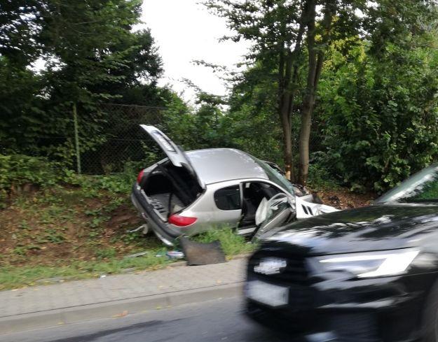 Kierowca jadąc przez Boguchwałę zasłabł za kierownicą - Aktualności Rzeszów