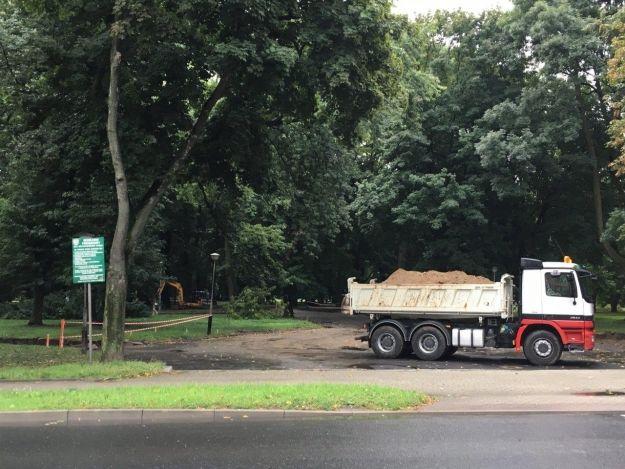 Ruszyła rewitalizacja parku przy ul. Dąbrowskiego [FOTO] - Aktualności Rzeszów