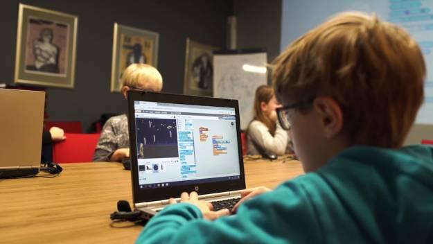 Koduj z Gigantami! Piąta edycja darmowych warsztatów programowania dla dzieci i młodzieży - Aktualności Rzeszów