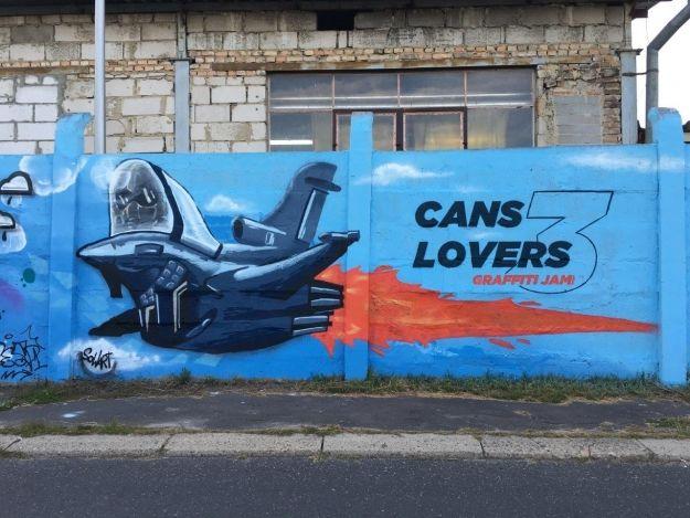 Na drodze prowadzącej na Lisią Górę powstało blisko 100-metrowe graffiti [FOTO] - Aktualności Rzeszów
