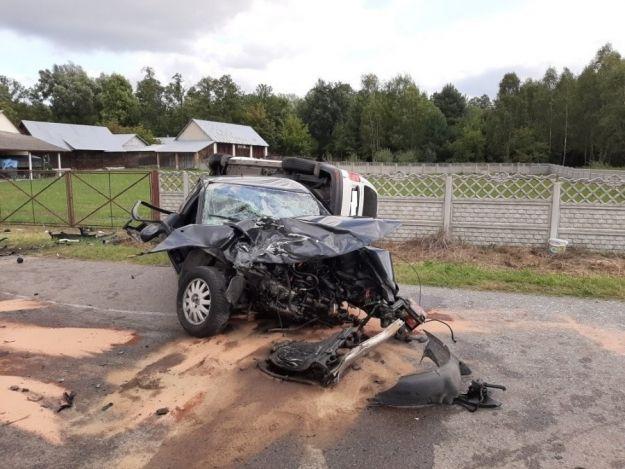 Czołowe zderzenie samochodów. Cztery osoby trafiły do szpitala - Aktualności Podkarpacie