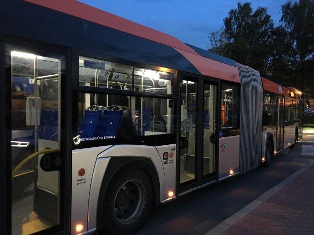 Cztery linie komunikacji miejskiej ze zmienionym rozkładem jazdy - Aktualności Rzeszów
