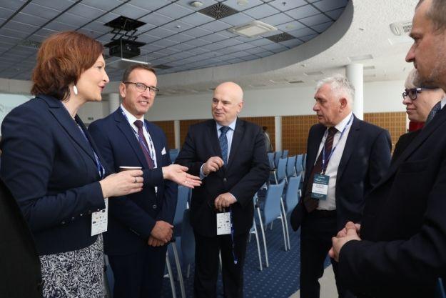 Podczas Kongresu TSLA EXPO - Rzeszów 2019 dyskutowano, jak sprostać wyzwaniom przyszłości - Aktualności Rzeszów