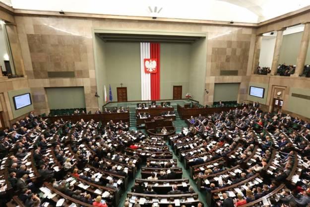 Podział mandatów sejmowych w okręgu rzeszowskim. Buczak, Szlachta, Gawlik i Wróblewska poza Sejmem? - Aktualności Rzeszów