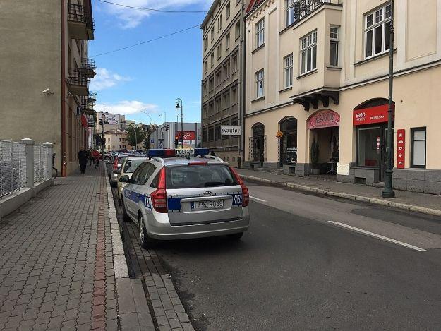 Przy ul. Jagiellońskiej zraniono dwie osoby nożem. Jedna z nich jest w ciężkim stanie - Aktualności Rzeszów