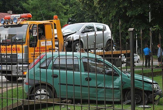 Kolizja dwóch aut na Dąbrowskiego - Aktualności Rzeszów