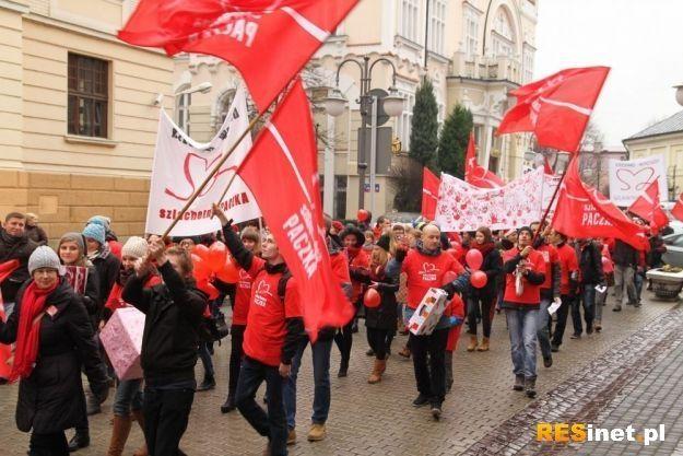 Startuje 19. edycja Szlachetnej Paczki. Sprawdź, o której wyruszy marsz w Rzeszowie - Aktualności Rzeszów