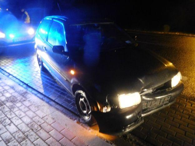 43-latek miał 4 promile jadąc samochodem. Zasnął na środku drogi - Aktualności Podkarpacie
