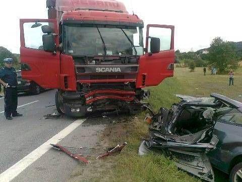 Śmiertelny wypadek na drodze krajowej 73 - Aktualności Podkarpacie