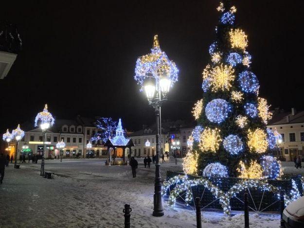Miasto rozbłyśnie świecidełkami za prawie 600 tys. zł. Wybrano firmę, która zamontuje ozdoby - Aktualności Rzeszów