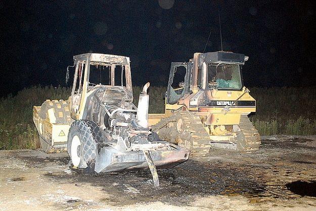 Spłonęły maszyny budowlane na autostradzie - Aktualności Podkarpacie