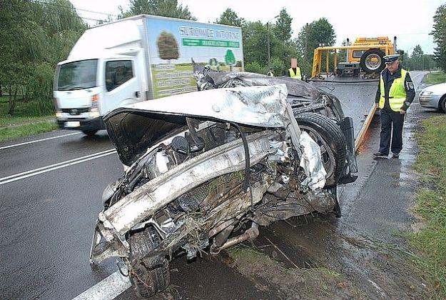 Kierowca płonącego samochodu uratowany - Aktualności Podkarpacie