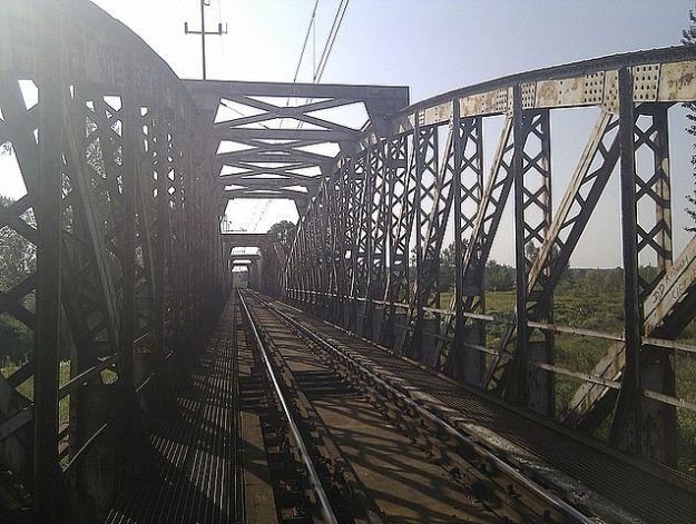 14-latek spadł z mostu kolejowego - Aktualności Podkarpacie