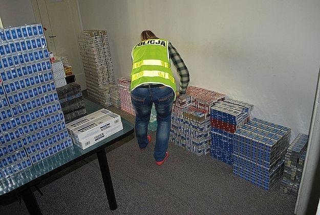 Tysiące nielegalnych papierosów i litry spirytusu - Aktualności Rzeszów