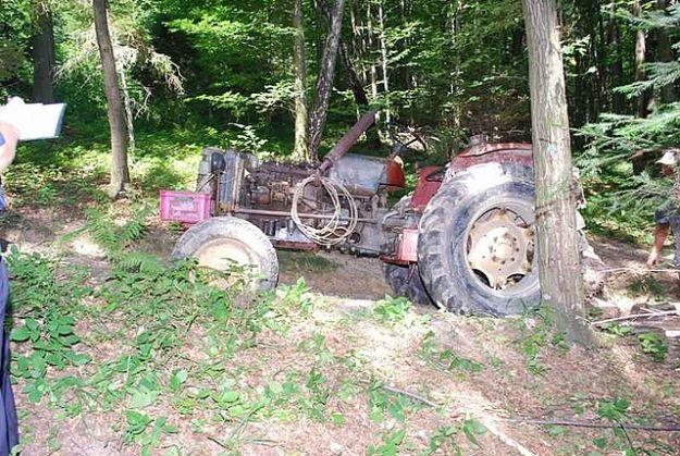 Zginął przygnieciony przez traktor - Aktualności Podkarpacie