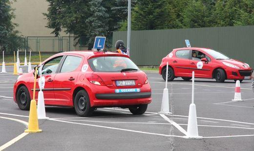 Nowe egzaminy na prawko przerażają przyszłych kierowców - Aktualności z Kraju