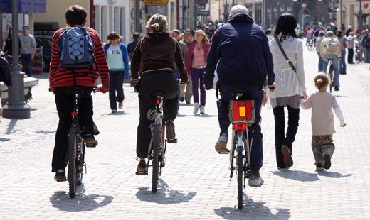 Wjadą rowerami na dziedziniec Zamku Lubomirskich - Aktualności Rzeszów