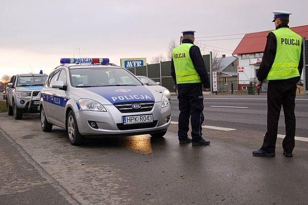 Policjanci kontrolują ciężarówki - Aktualności Podkarpacie