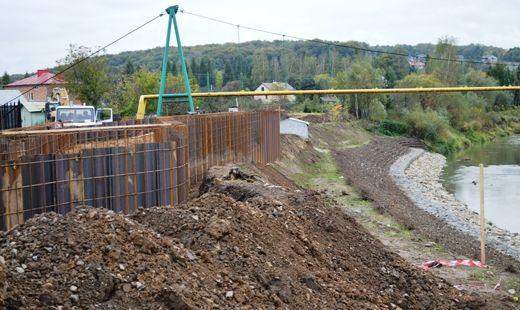Ruszyła budowa wału przeciwpowodziowego - Aktualności Podkarpacie