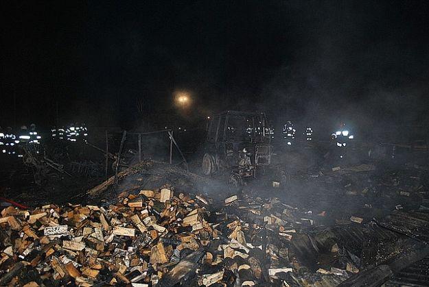 Pożar budynków gospodarczych w Dachnowie - Aktualności Podkarpacie