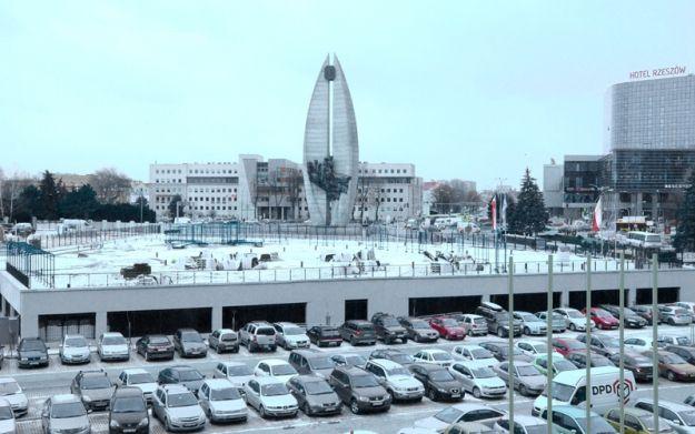Otwarto podziemny parking ojców bernardynów - Aktualności Rzeszów