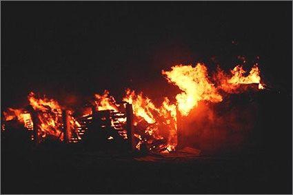 Spłonął zakład stolarski w Harasiukach - Aktualności Podkarpacie
