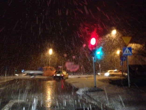 Zima powróciła! Utrudnienia na drogach Podkarpacia - Aktualności Podkarpacie