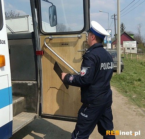 Przewoził dzieci niesprawnym autobusem - Aktualności Podkarpacie