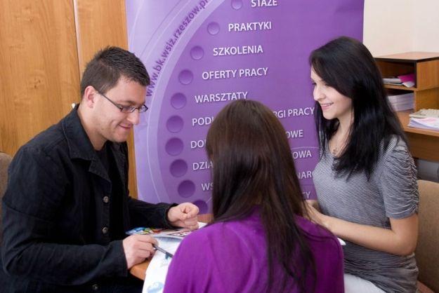 Szukasz pracy, praktyk, stażu – zgłoś się do Biura Karier - Aktualności Rzeszów