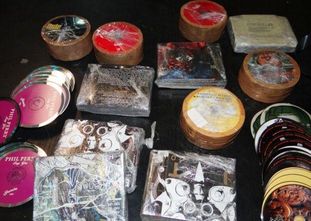Nielegalne płyty CD przechwycone na granicy - Aktualności Podkarpacie
