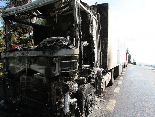 W Jabłonicy Polskiej spalił się tir - Aktualności Podkarpacie