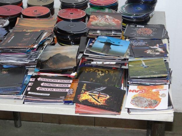 Nielegalne płyty muzyczne przechwycone na granicy  - Aktualności Podkarpacie