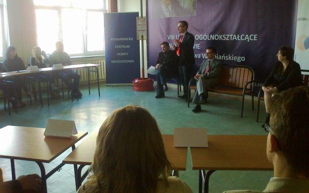 """""""Rzeszów – miasto przyjazne młodzieży"""" – debata - Aktualności Rzeszów"""