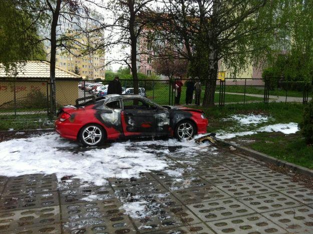 FOTO. Pożar na parkingu  - Aktualności Rzeszów