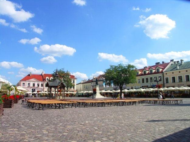 Trwa akcja na rzeszowskim Rynku - Aktualności Rzeszów