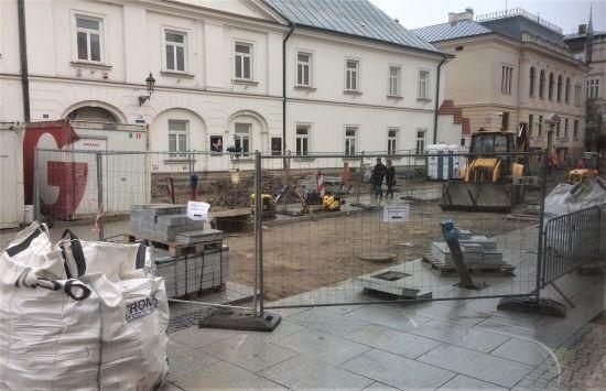 Ponad 100 pracowników na placu budowy przy ul. 3 Maja. Kiedy koniec? - Aktualności Rzeszów - zdj. 2