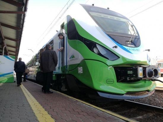Dwa nowe pociągi o napędzie spalinowym zaczynają prace na Podkarpackich torach - Aktualności Rzeszów - zdj. 4