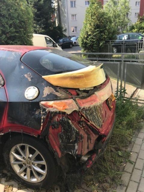 Pożar w podziemnym parkingu na ul. Różanej. Zapaliły się rzeczy składowane tam przez mieszkańców - Aktualności Rzeszów - zdj. 1