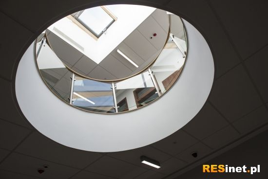 Otwarto nowy budynek Wydziału Zarządzania na Politechnice Rzeszowskiej [ZDJĘCIA] - Aktualności Rzeszów - zdj. 6