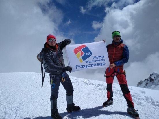 Pracownik Uniwersytetu Rzeszowskiego zdobył Mont Blanc. Wyczynu dokonał dr hab. Sławomir Drozd [ZDJĘCIA] - Aktualności Rzeszów - zdj. 1