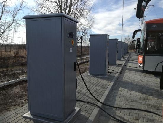 Autobusy elektryczne wyjechały na ulice Rzeszowa. Będą również dodatkowe stacje ładowania [ZDJĘCIA] - Aktualności Rzeszów - zdj. 6