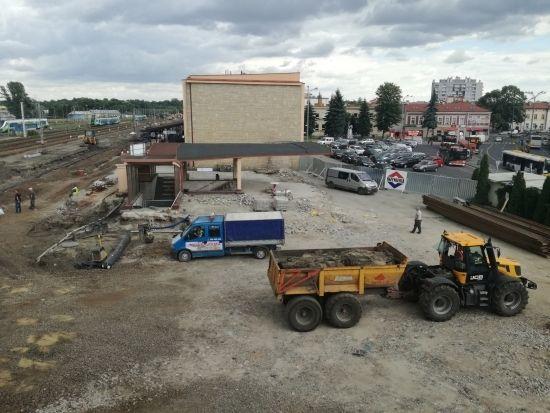 Znikają przęsła z kładki przy ul. Grottgera. Przejście będzie dostępne aż do zakończenia budowy [FOTO] - Aktualności Rzeszów - zdj. 1
