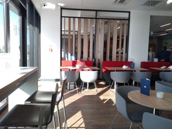 Otwarto nowy hotel w sąsiedztwie Portu Lotniczego Rzeszów-Jasionka [FOTO] - Aktualności Rzeszów - zdj. 9