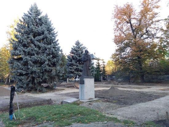 Trwa rewitalizacja parku przy ul. Dąbrowskiego [FOTO] - Aktualności Rzeszów - zdj. 7