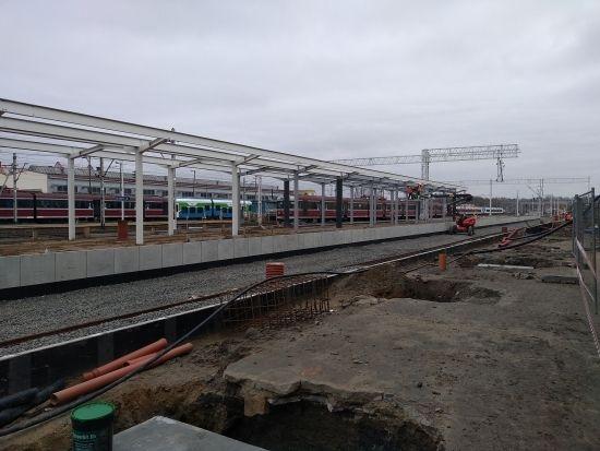 Raport z prac na stacji Rzeszów Główny. 19 listopada uruchomią peron nr 1 [FOTO] - Aktualności Rzeszów - zdj. 7