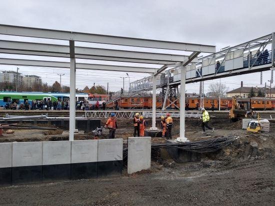 Raport z prac na stacji Rzeszów Główny. 19 listopada uruchomią peron nr 1 [FOTO] - Aktualności Rzeszów - zdj. 9
