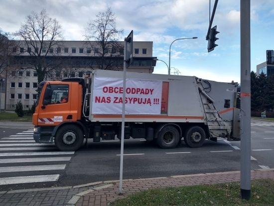 """""""Protest śmieciarek"""" w Rzeszowie [FOTO] - Aktualności Rzeszów - zdj. 3"""